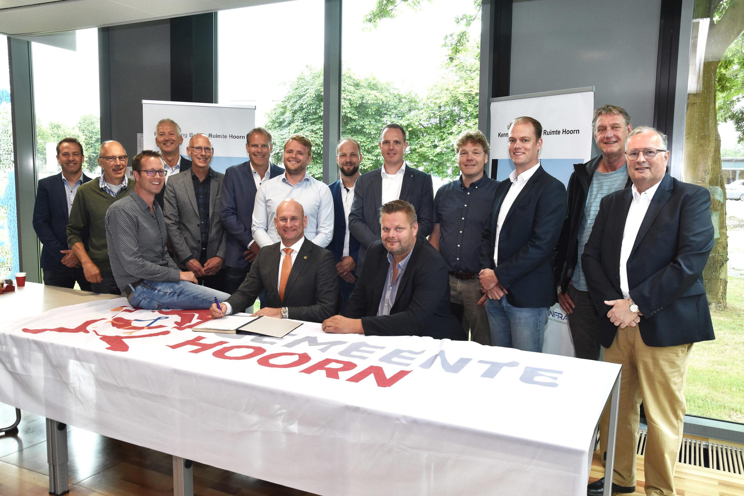ondertekening open convenant grond-, weg- en waterbouw