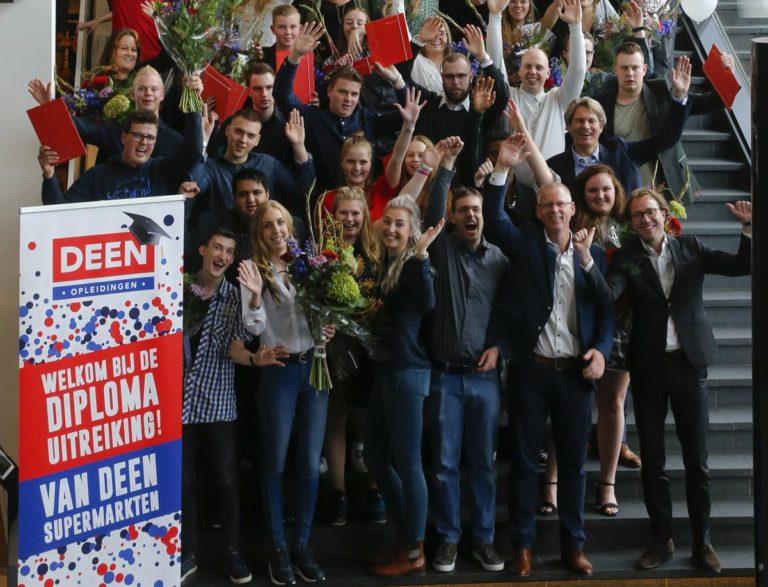 Succesvol jaar voor DEEN-opleidingen 100 geslaagden_small